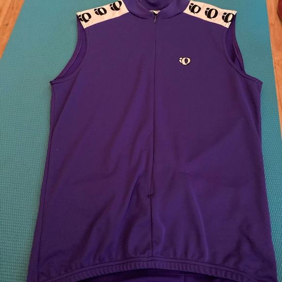 sleeveless biking shirt